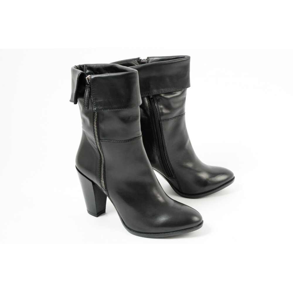 manas design italian leather ankle boots mozimo