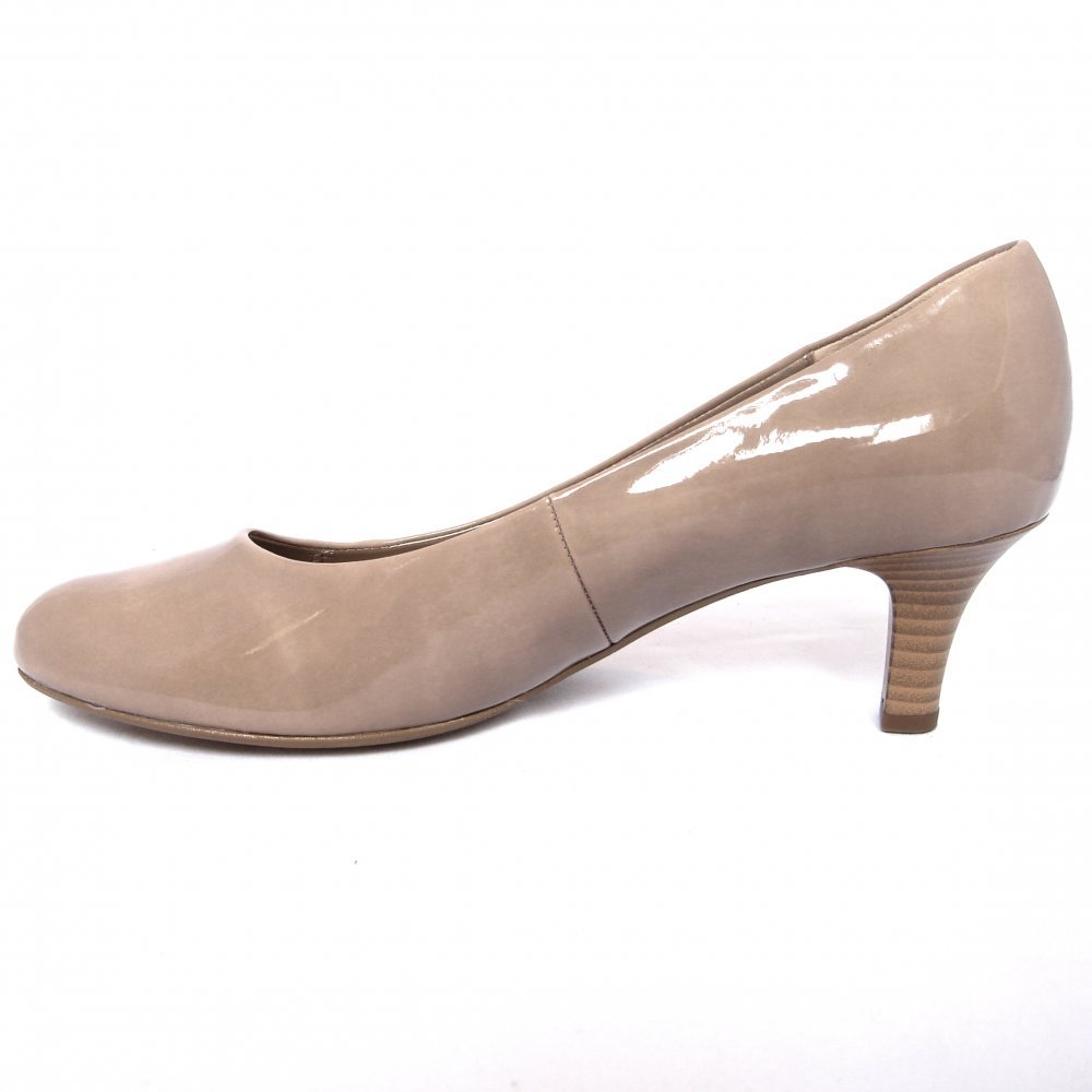 * Character Shoe * Smooth genuine leather upper * Professional line made by Very Fine Dancesport designed for professional dancers * Non-slip insole made with certified nano-fiber that deodorizes the shoes after long hours of dancing.