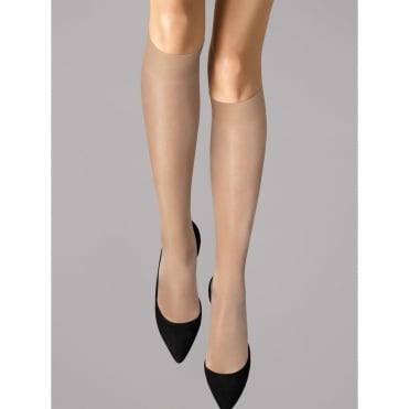 Satin Touch 20 Knee-Highs in Cosmetic